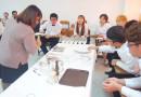 นักศึกษามหาวิทยาลัย Shinsung ประเทศเกาหลี เรียนรู้เกี่ยวกับอุปกรณ์ที่ใช้บนโต๊ะอาหารและการเซทโต๊ะ